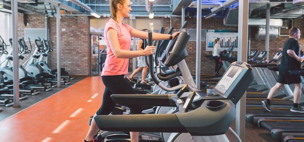 Trening na bieżni - jak ćwiczyć na bieżni, żeby schudnąć?